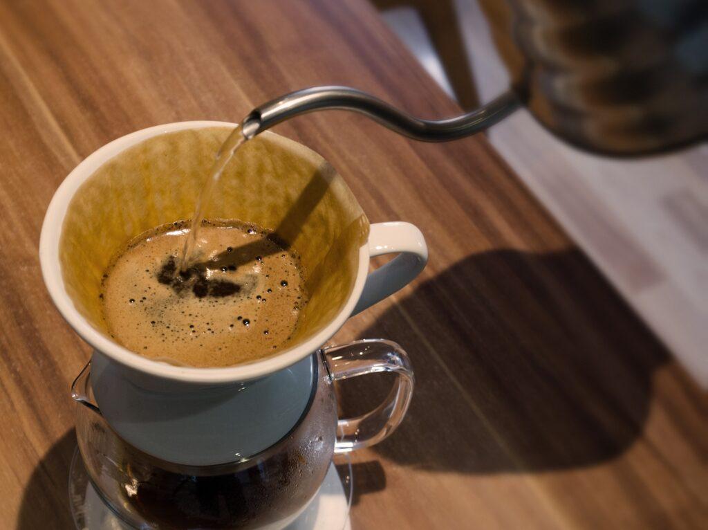 コーヒー淹れる